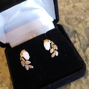 Blackhills Gold and Opal earrings